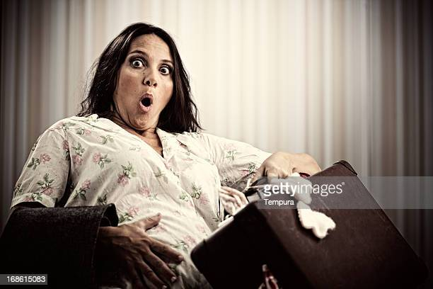 Last minute pregnancy, woman with contractions