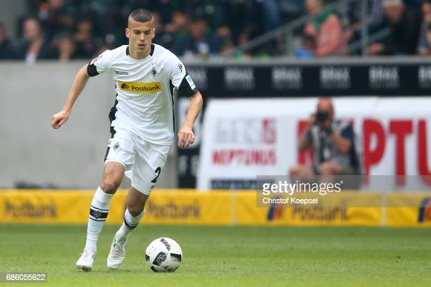 Laszlo Benes of Moenchengladbach runs with the ball during the Bundesliga match between Borussia Moenchengladbach and SV Darmstadt 98 at BorussiaPark...