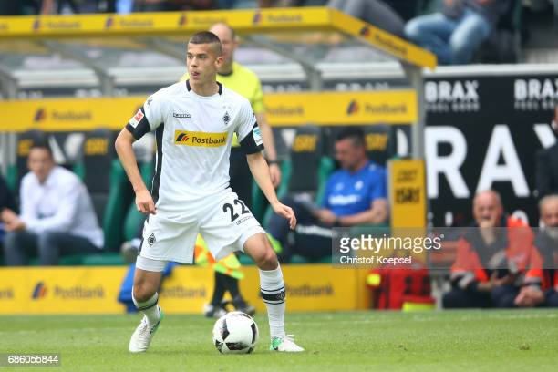 Laszlo Benes of Moenchengladbach runs with the ball during the Bundesliga match between Borussia Moenchengladbach and SV Darmstadt 98 at BorussiaPark...
