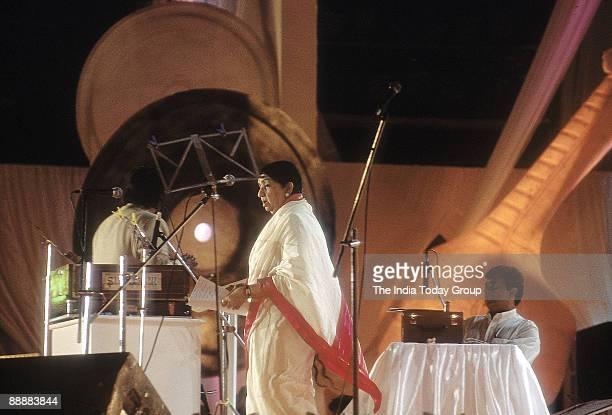 Lata Mangeshkar Playback Singer recording her song in a studio