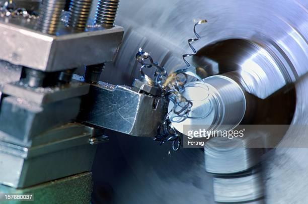 Drehmaschine in Betrieb Schneiden aus Edelstahl