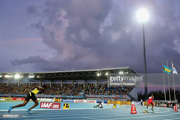 LaToy Williams of Bahamas competes in the Men's 4x400 metres relay during day two of the IAAF World Relays at the Thomas Robinson Stadium on May 25...