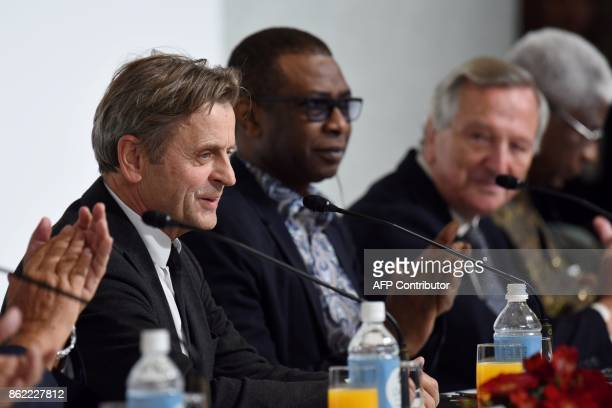 Latvianborn dancer and choreographer Mikhail Baryshnikov a winner of the 29th Praemium Imperiale award speaks during a joint press conference in...
