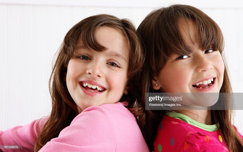 笑う女の子 : ストックフォト