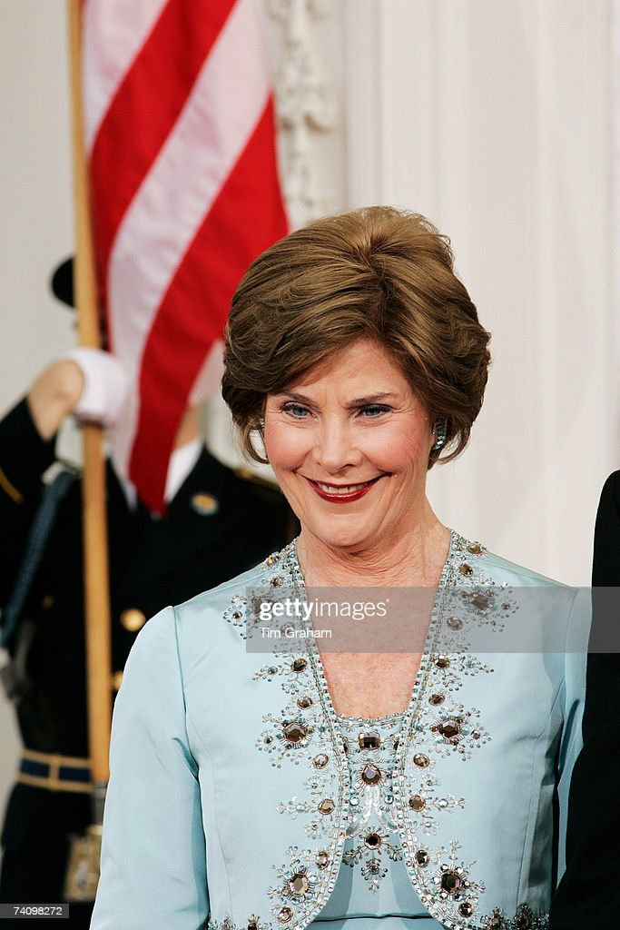 Laura Bush attends a State Dinner at the White House on the fifth day of Queen Elizabeth II's USA tour on May 7, 2007 in Washington, DC.