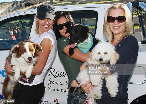 Laura Csortan Sarah McLeod and Sami Lukis take part in the RSPCA Million Paws Walk at Sydney Olympic Park on May 20 2007 in Sydney Australia The...