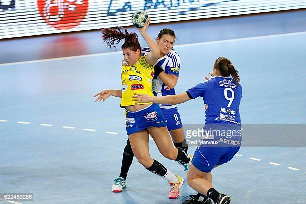 Laura Flippes of Metz and Cristina Neagu of Podgorica during the EHF Womens Champions League match between Metz and Podgorica Buducnost November 11...