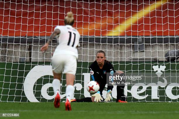 Laura Giuliani goalkeeper of Italy in action during the UEFA Women's Euro 2017 Group B match between Germany and Italy at Koning Willem II Stadium on...