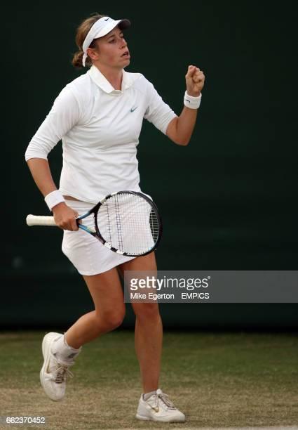 Laura Granville celebrates against Martina Hingis