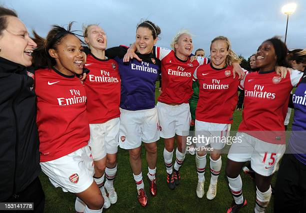 Laura Harvey Alex Scott Ellen White Jennifer Beattie Steph Houghton Gemma Davison and Danielle Carter of Arsenal celebrate after the FA Women's Super...