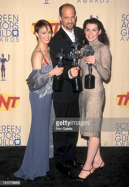 Laura Innes Anthony Edwards and Julianna Margulies at the 5th Annual Screen Actors Guild Awards Shrine Auditorium Los Angeles