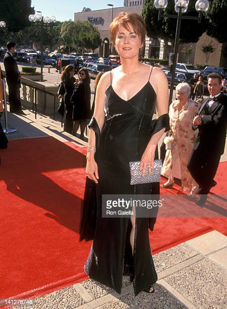Laura Innes at the 1999 Primetime Creative Arts Emmy Awards Pasadena Civic Auditorium Pasadena