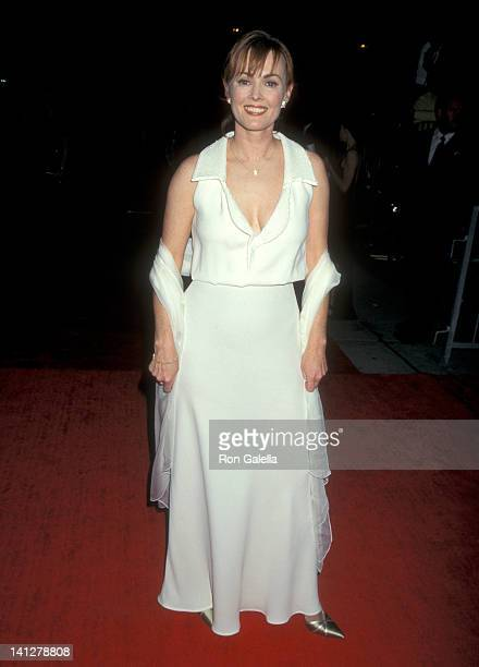 Laura Innes at the 3rd Annual Screen Actors Guild Awards Shrine Exposition Center Los Angeles