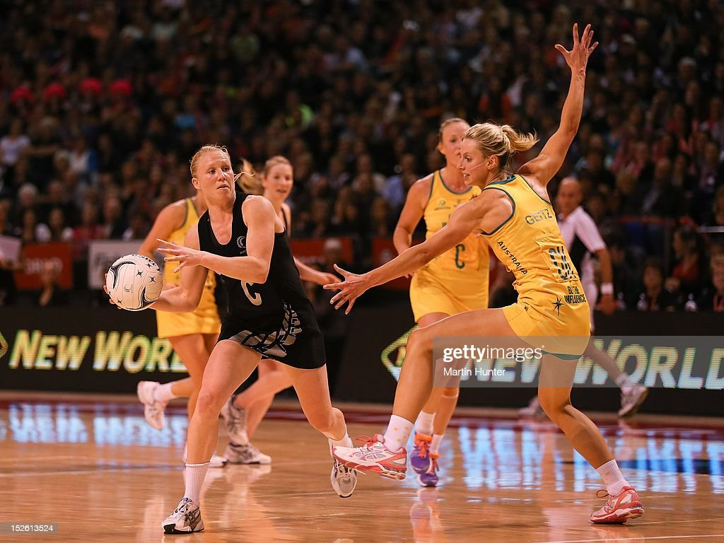 <a gi-track='captionPersonalityLinkClicked' href=/galleries/search?phrase=Laura+Langman&family=editorial&specificpeople=247744 ng-click='$event.stopPropagation()'>Laura Langman</a> (L) of New Zealand controls the ball in front of Laura Geitz of Australia during the Constellation Cup match between the New Zealand Silver Ferns and the Australian Diamonds at CBS Canterbury Arena on September 23, 2012 in Christchurch, New Zealand.