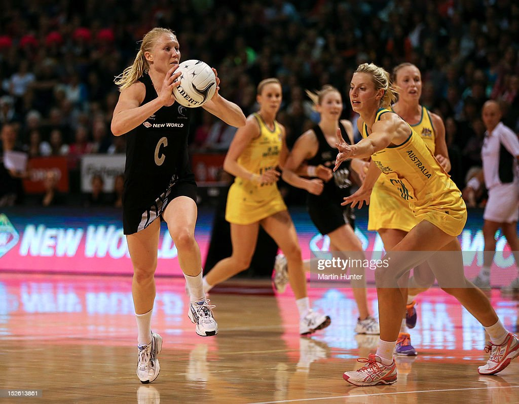 <a gi-track='captionPersonalityLinkClicked' href=/galleries/search?phrase=Laura+Langman&family=editorial&specificpeople=247744 ng-click='$event.stopPropagation()'>Laura Langman</a> of New Zealand looks to pass during the Constellation Cup match between the New Zealand Silver Ferns and the Australian Diamonds at CBS Canterbury Arena on September 23, 2012 in Christchurch, New Zealand.