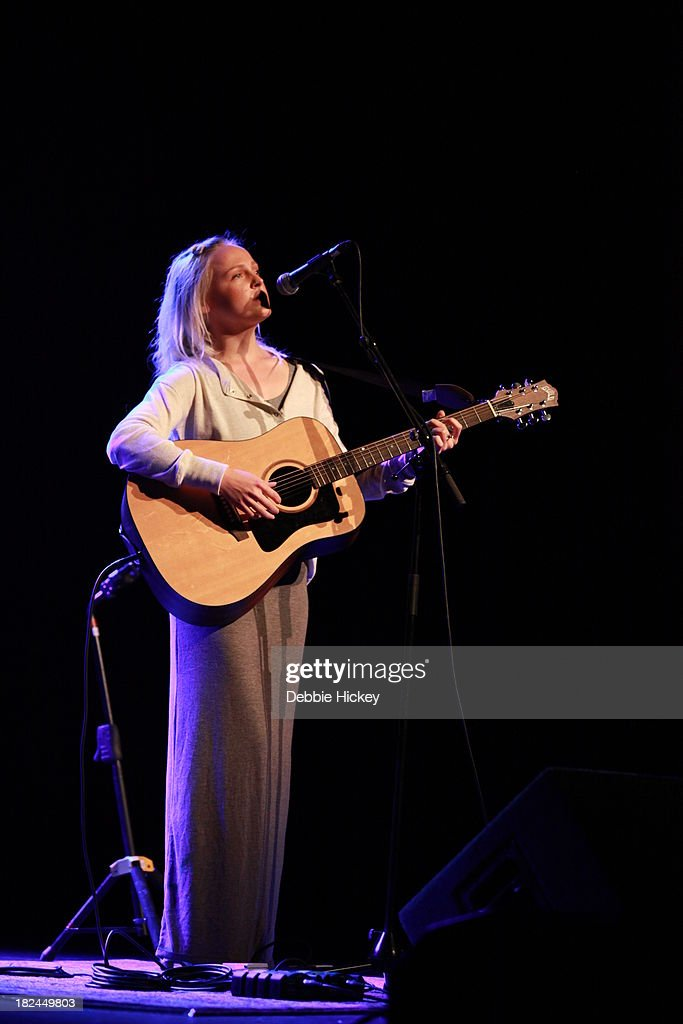 <a gi-track='captionPersonalityLinkClicked' href=/galleries/search?phrase=Laura+Marling&family=editorial&specificpeople=4860630 ng-click='$event.stopPropagation()'>Laura Marling</a> performs at The Olympia on September 29, 2013 in Dublin, Ireland.