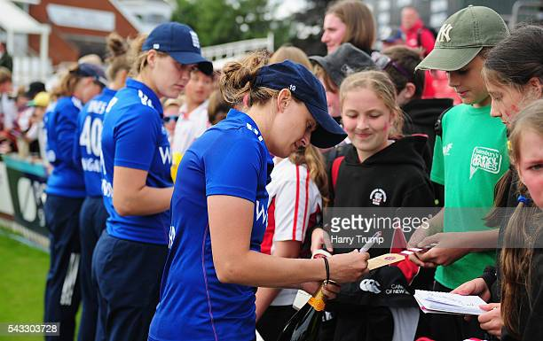 Laura Marsh of England Women signs autographs for fans during the 3rd Royal Royal London ODI between England Women and Pakistan Women at The Cooper...