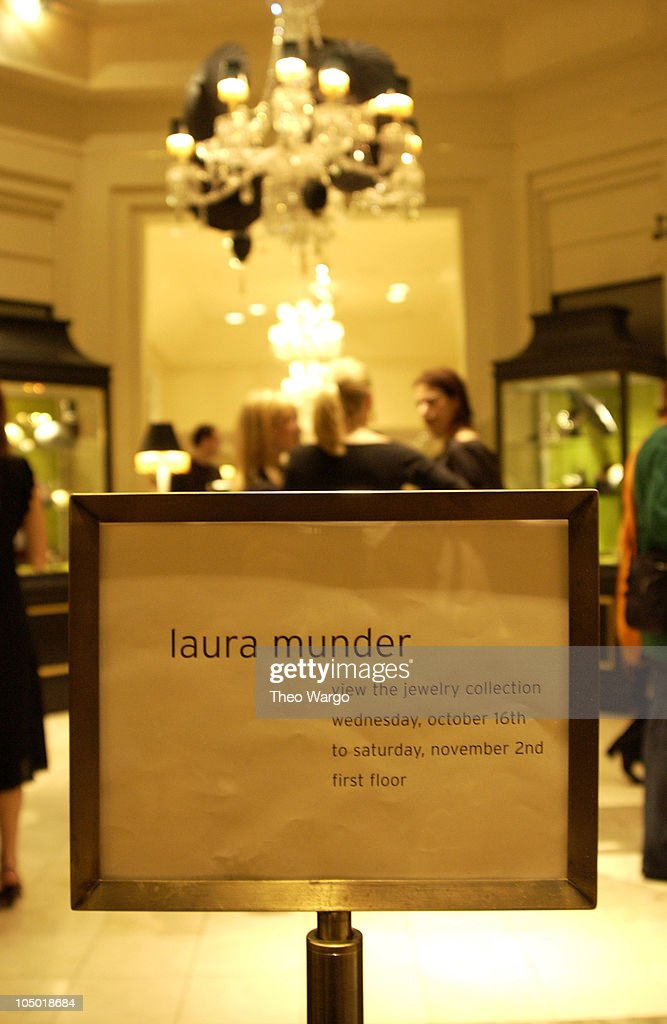 Jewelry Designer Laura Munder Launches collection at Bergdorf