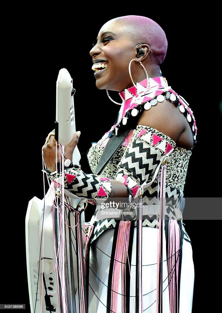 <a gi-track='captionPersonalityLinkClicked' href=/galleries/search?phrase=Laura+Mvula&family=editorial&specificpeople=10006726 ng-click='$event.stopPropagation()'>Laura Mvula</a> performs on the Pyramid Stage at Glastonbury Festival 2016 at Worthy Farm, Pilton on June 25, 2016 in Glastonbury, England.