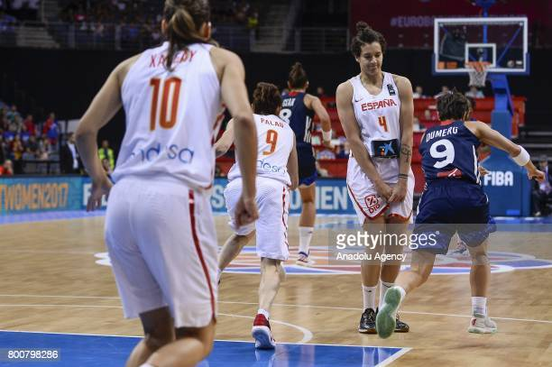 Laura Nicholls of Spain in action against Celine Dumerc of France during the 2017 FIBA EuroBasket Women gold medal match between Spain and France at...