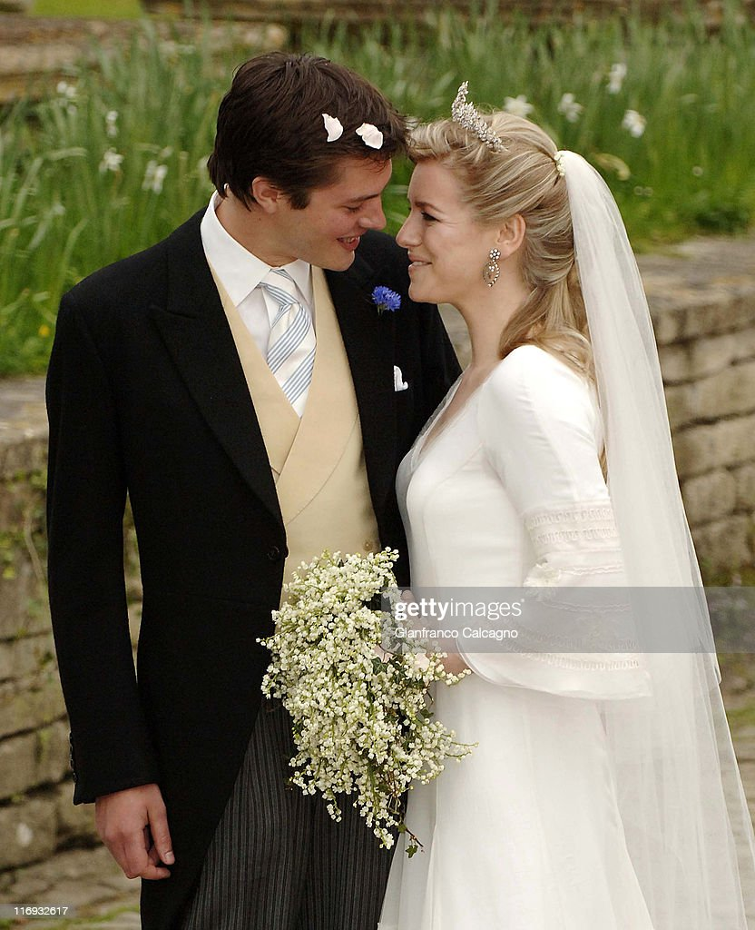 Laura Parker Bowles and Harry Lopes - Wedding - Outside Arrivals