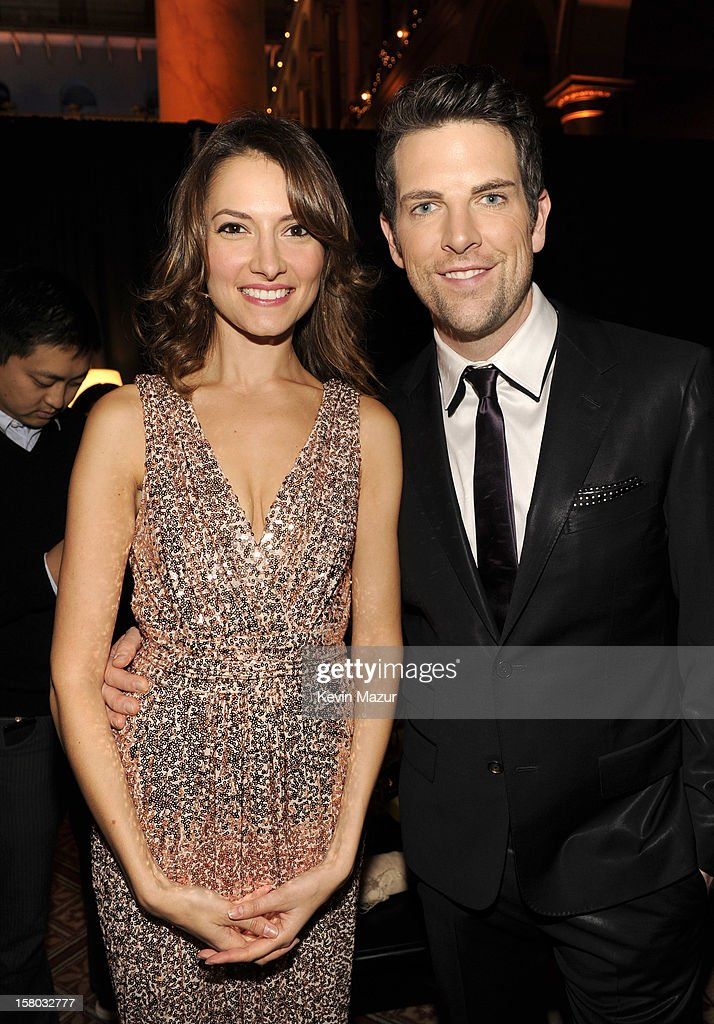 Laura Perloe (L) and singer Chris Mann attend TNT Christmas in Washington 2012 at National Building Museum on December 9, 2012 in Washington, DC. 23098_003_KM_0423.JPG