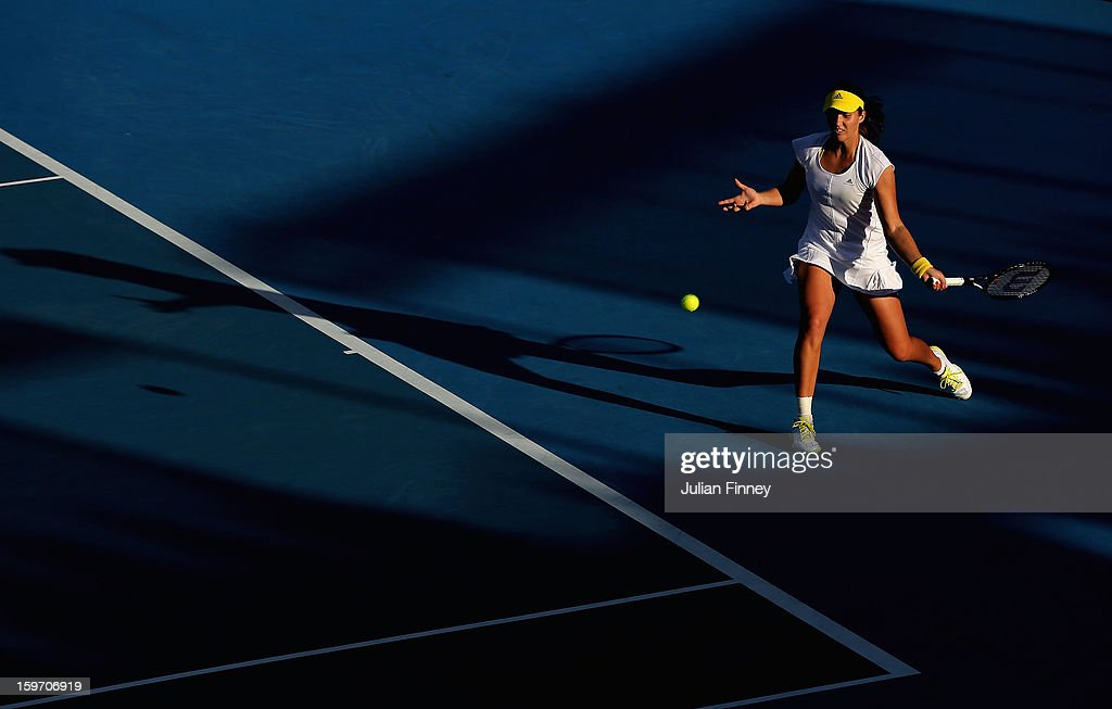 <a gi-track='captionPersonalityLinkClicked' href=/galleries/search?phrase=Laura+Robson&family=editorial&specificpeople=5421044 ng-click='$event.stopPropagation()'>Laura Robson</a> of Great Britain plays a forehand in her third round match against Sloane Stephens of the United States during day six of the 2013 Australian Open at Melbourne Park on January 19, 2013 in Melbourne, Australia.