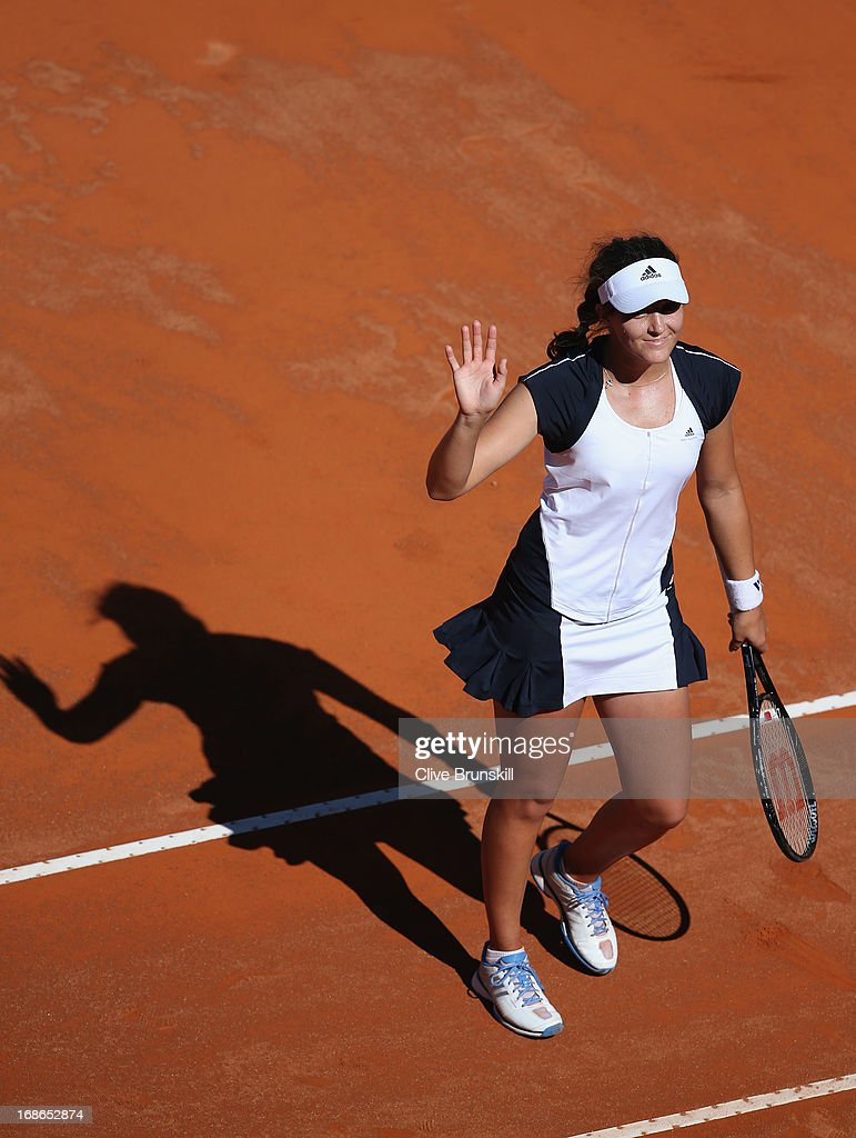 <a gi-track='captionPersonalityLinkClicked' href=/galleries/search?phrase=Laura+Robson&family=editorial&specificpeople=5421044 ng-click='$event.stopPropagation()'>Laura Robson</a> of Great Britain waves to the crowd after her straight sets victory against Venus Williams of the USA in their first round match during day two of the Internazionali BNL d'Italia 2013 at the Foro Italico Tennis Centre on May 13, 2013 in Rome, Italy.