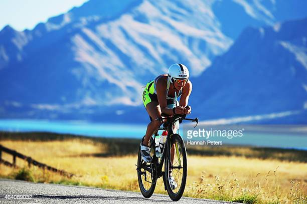Laura Siddall Great Britain competes during Challenge Wanaka on February 22 2015 in Wanaka New Zealand