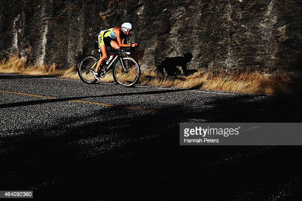 Laura Siddall of Great Britain competes during Challenge Wanaka on February 22 2015 in Wanaka New Zealand