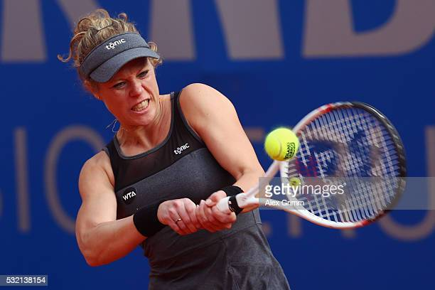 Laura Siegemund of Germany returns the ball to Mariana DuqueMarino of Colombia during day five of the Nuernberger Versicherungscup 2016 on May 18...