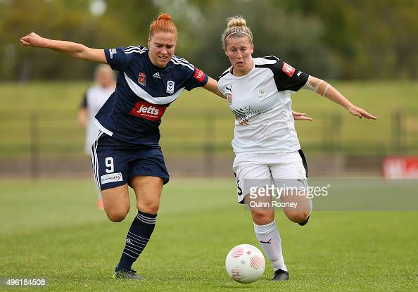 Laura Spiranovic of Victory and Alexandra Gummer of United compete for the ball during the round four WLeague match between the Melbourne Victory and...