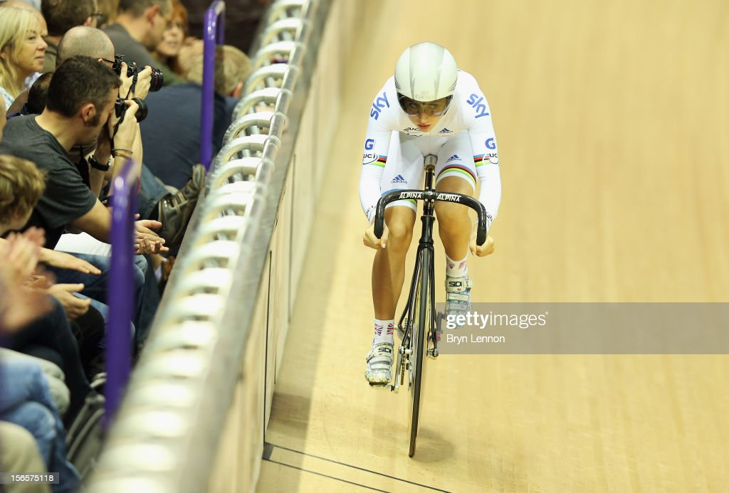 <a gi-track='captionPersonalityLinkClicked' href=/galleries/search?phrase=Laura+Trott&family=editorial&specificpeople=7205074 ng-click='$event.stopPropagation()'>Laura Trott</a> of Great Britain in action during the Omnium Flying Lap on day two of the UCI Track Cycling World Cup at Sir Chris Hoy Velodrome on November 17, 2012 in Glasgow, Scotland.