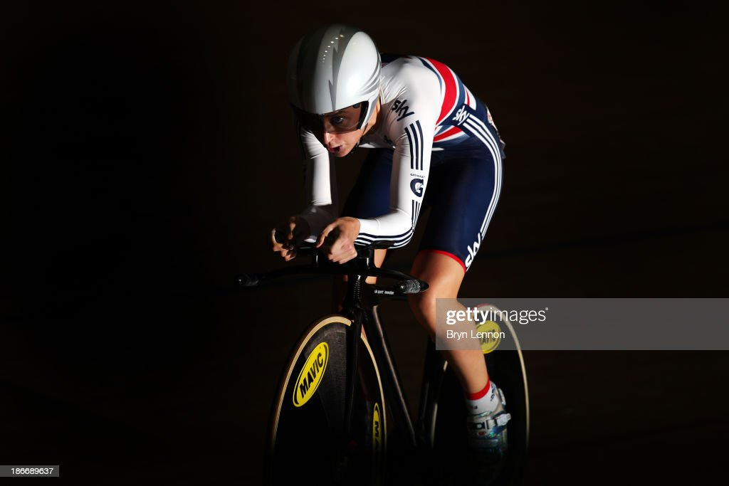 <a gi-track='captionPersonalityLinkClicked' href=/galleries/search?phrase=Laura+Trott+-+Cyclist&family=editorial&specificpeople=7205074 ng-click='$event.stopPropagation()'>Laura Trott</a> of Great Britain in action during the Women's Omnium Individual Pursuit on day three of the UCI Track Cycling World Cup at Manchester Velodrome on November 3, 2013 in Manchester, England.