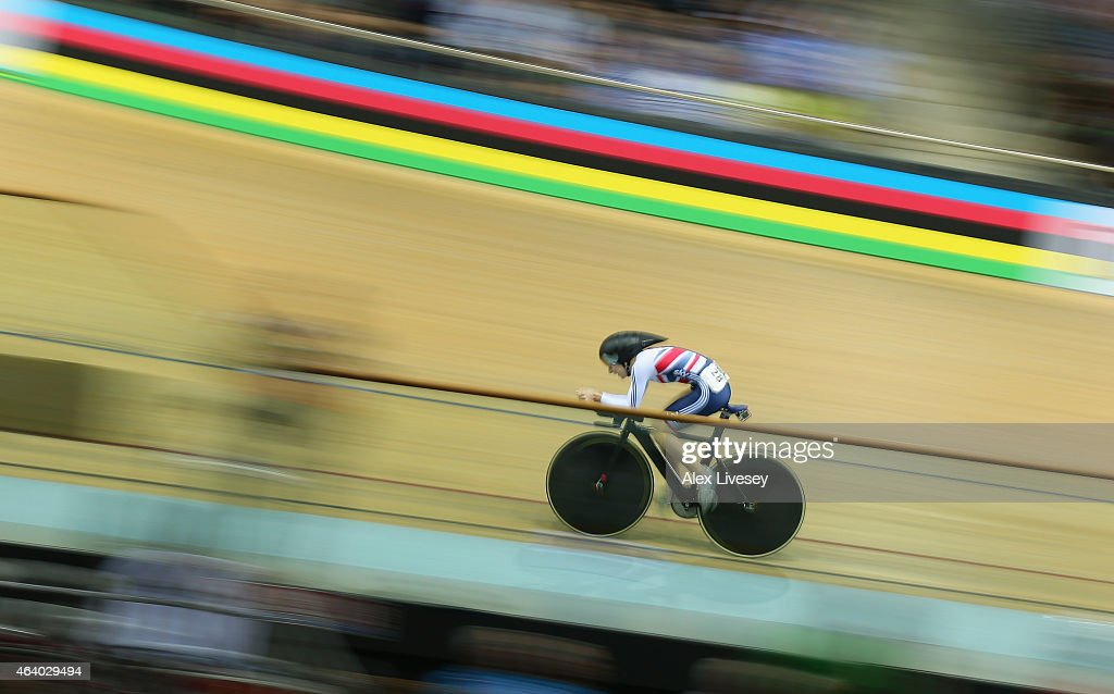 Laura Trott of the Great Britain Cycling Team competes in ...