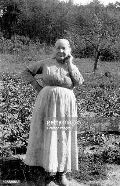 Laura Virginia Donald Dewey Bedford County Virginia USA 19161918 Photograph taken during Cecil Sharp's folk music collecting expedition British...