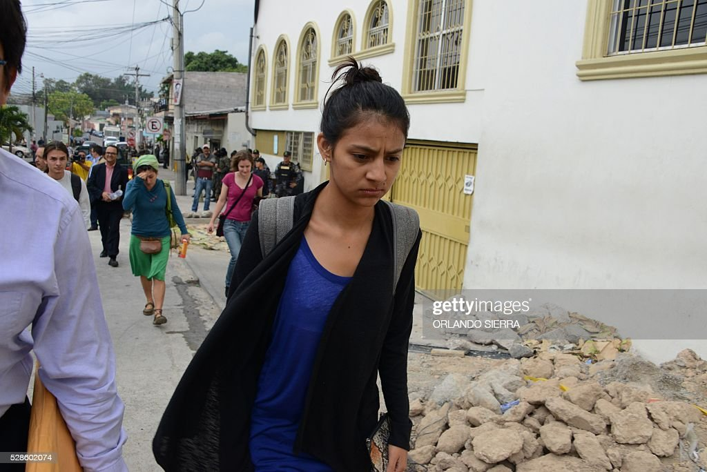 Laura Zuniga Caceres, daughter of indigenous leader Berta Caceres, arrives to the Justice Court in Tegucigalpa on May 6, 2016. A judge ordered Tuesday preventive detention of four suspects in the killing of indigenous leader Berta Caceres, occurred last March. / AFP / ORLANDO