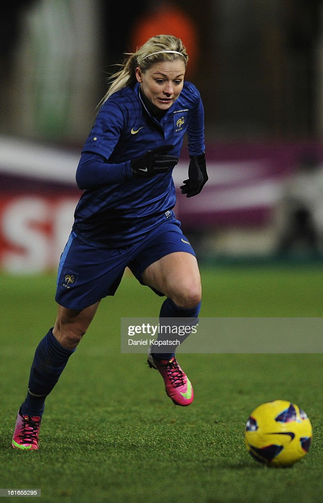 Laure Boulleau of France controles the ball during the international friendly match between France and Germany at Stade de la Meinau on February 13, 2013 in Strasbourg, France.