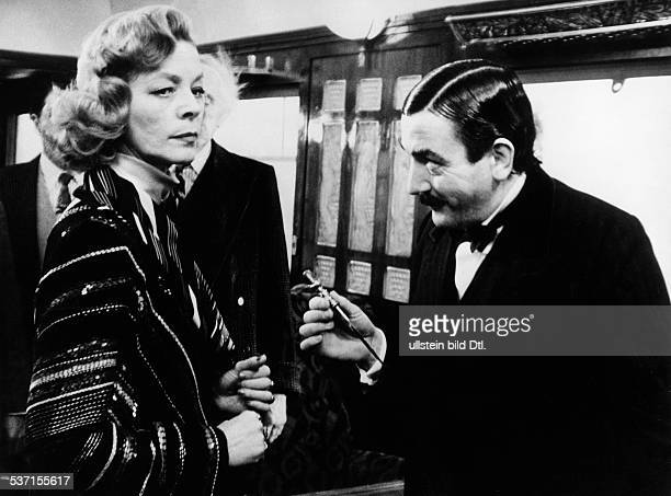 Lauren Bacall Actress USA with Albert Finney at the film Murder on the Orient Express