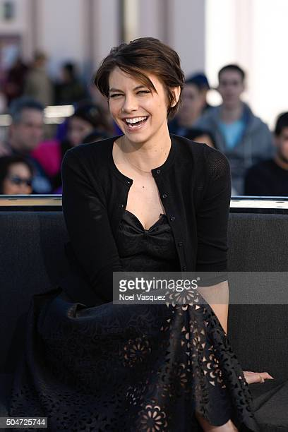 Lauren Cohan visits 'Extra' at Universal Studios Hollywood on January 12 2016 in Universal City California