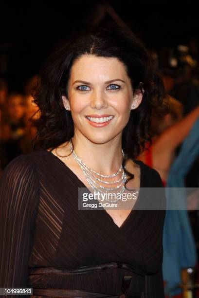 Lauren Graham during 2002 Vanity Fair Oscar Party Hosted by Graydon Carter Arrivals at Morton's Restaurant in Beverly Hills California United States