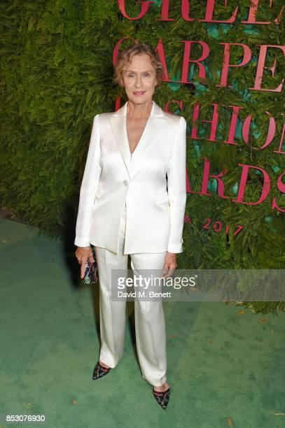 Lauren Hutton attends the Green Carpet Fashion Awards Italia wearing Giorgio Armani for the Green Carpet Challenge at Teatro Alla Scala on September...