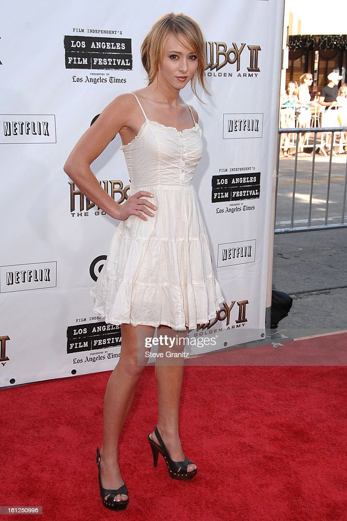 <a gi-track='captionPersonalityLinkClicked' href=/galleries/search?phrase=Lauren+McKnight&family=editorial&specificpeople=5409280 ng-click='$event.stopPropagation()'>Lauren McKnight</a> 2008 Los Angeles Film Festival's 'HellBoy: II The Golden Army' Premiere at the Mann Village Westwood Theater on June 28, 2008 in Westwood, California.