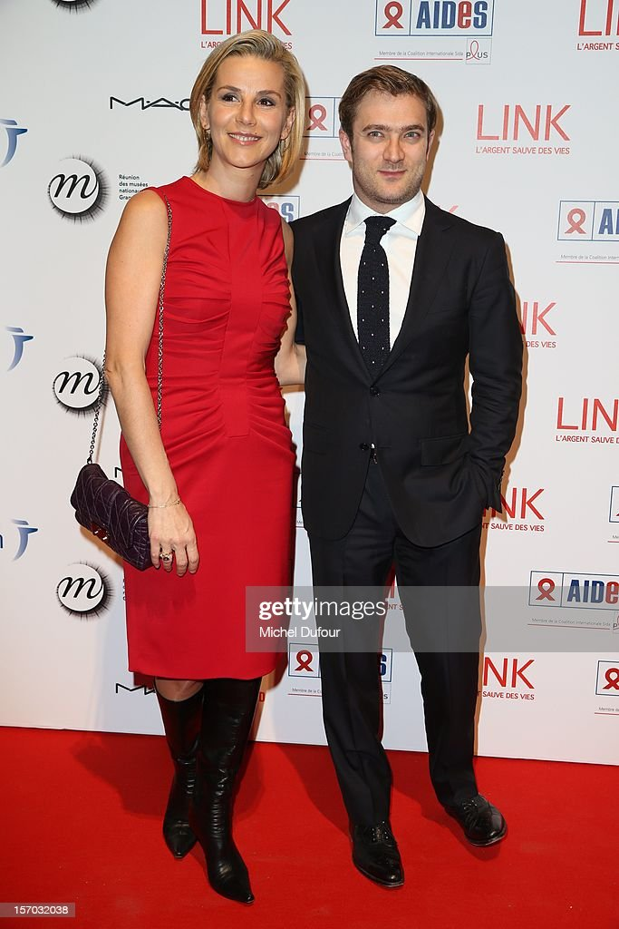 <a gi-track='captionPersonalityLinkClicked' href=/galleries/search?phrase=Laurence+Ferrari&family=editorial&specificpeople=777181 ng-click='$event.stopPropagation()'>Laurence Ferrari</a> and husband Renaud Capucon attend the AIDES International Gala Dinner at Grand Palais on November 27, 2012 in Paris, France.