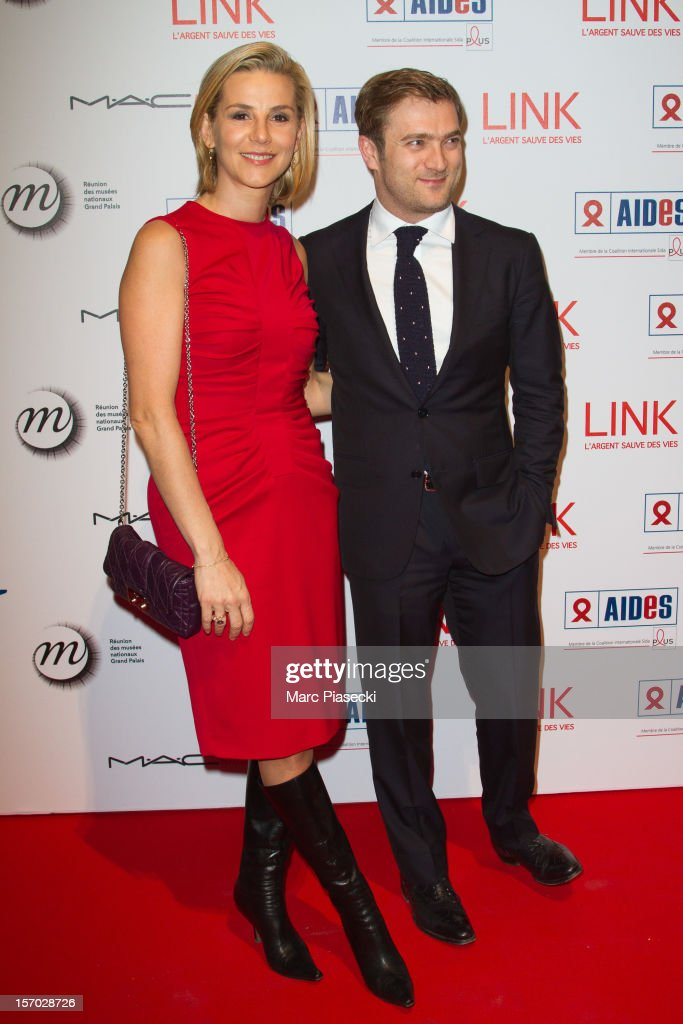 <a gi-track='captionPersonalityLinkClicked' href=/galleries/search?phrase=Laurence+Ferrari&family=editorial&specificpeople=777181 ng-click='$event.stopPropagation()'>Laurence Ferrari</a> and Renaud Capucon attend the LINK dinner for AIDS '100 photographes se mobilisent contre le Sida' at Grand Palais on November 27, 2012 in Paris, France.