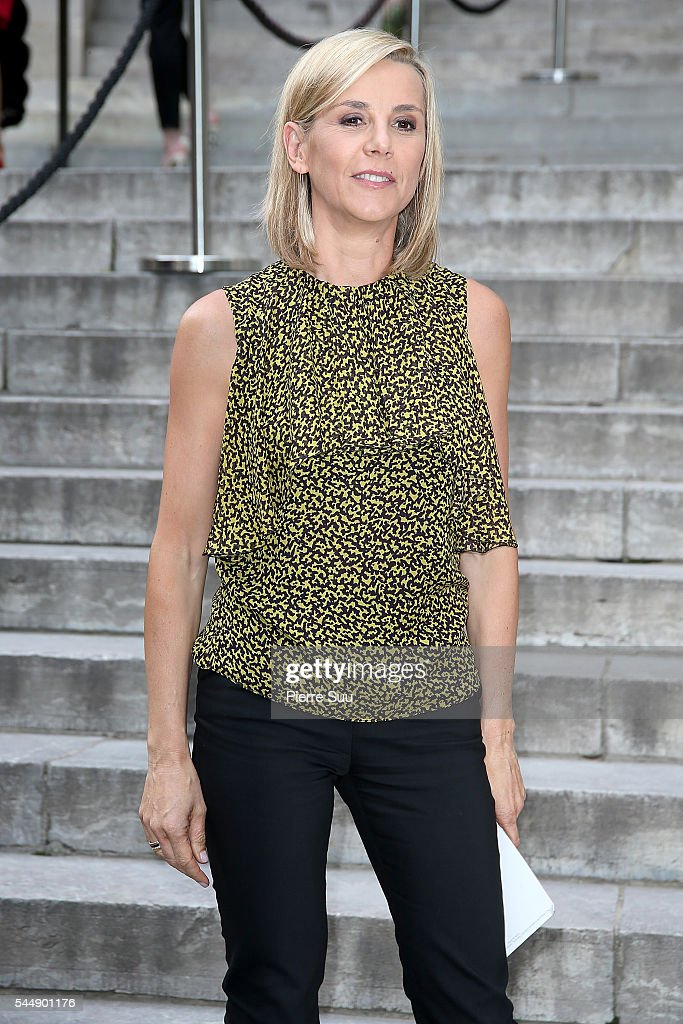 Laurence Ferrari arrives at the Giambattista Valli Haute Couture Fall/Winter 20162017 show as part of Paris Fashion Week on July 4 2016 in Paris...