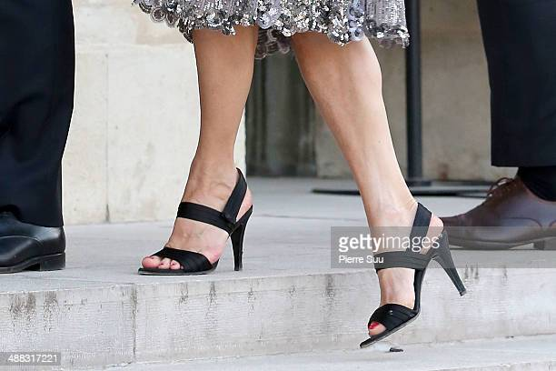 Laurence Ferrari attends the state Dinner At Elysee Palace In Honor Of Japanse Prime Minister Shinzo Abe on May 5 2014 in Paris France shoe detail
