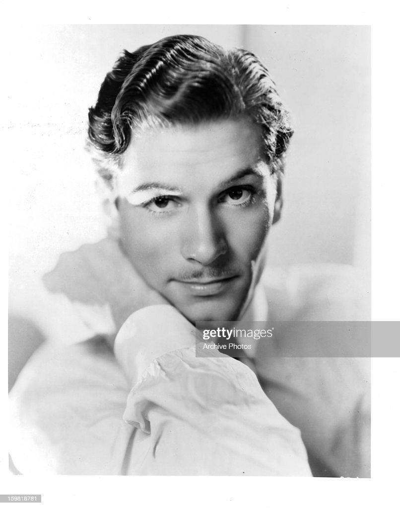 <a gi-track='captionPersonalityLinkClicked' href=/galleries/search?phrase=Laurence+Olivier&family=editorial&specificpeople=80991 ng-click='$event.stopPropagation()'>Laurence Olivier</a>, circa 1934.