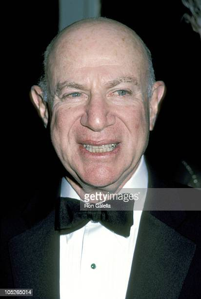 Laurence Tisch during Museum of Broadcasting Gala Dinner To Celebrate 'BBC Television Fifty Years' at St Regis Hotel in New York City New York United...