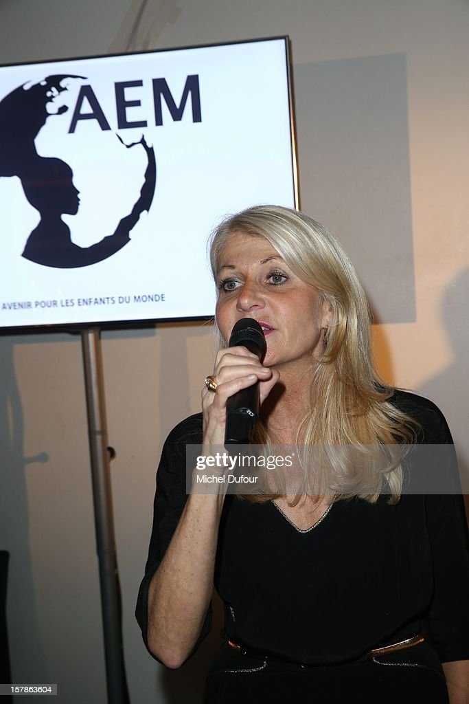 Laurence Valensi attends the Babeth Djian Hosts Dinner For Rwanda To The Benefit Of A.E.M. on December 6, 2012 in Paris, France.